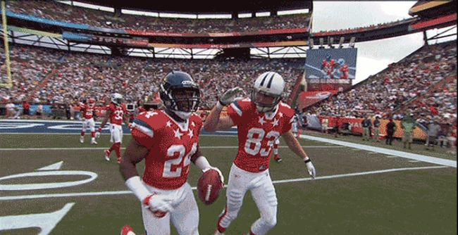 Missed High Fives (10 gifs)