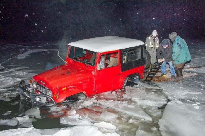 Ice Driving Fail (9 pics)