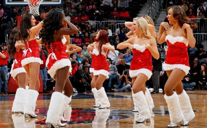 Christmas Cheerleaders (20 pics)