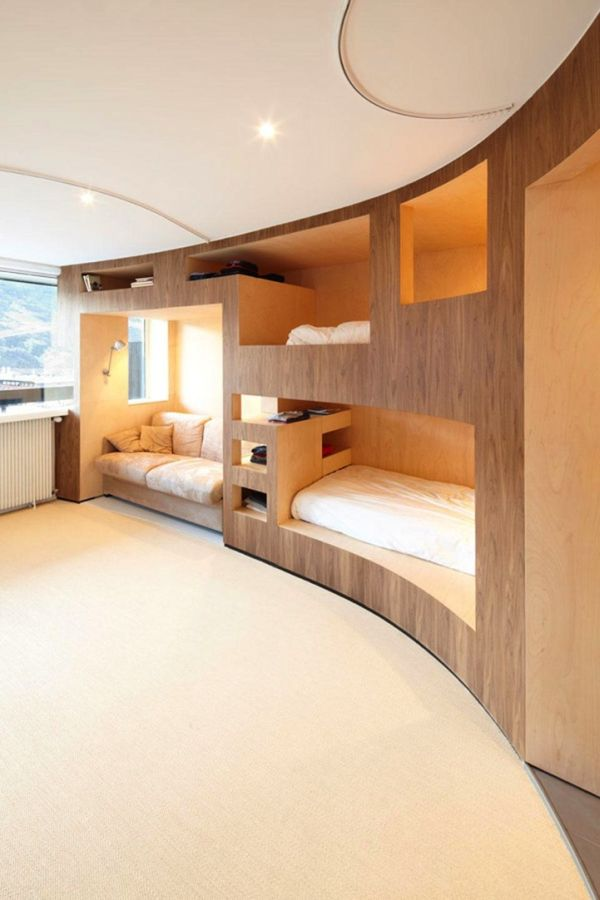 Furniture Inside the Walls (11 pics)