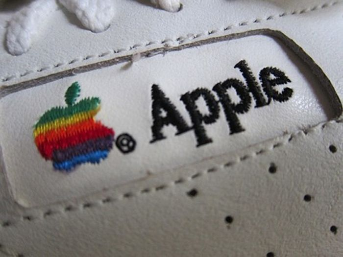 Apple Sneakers (5 pics)