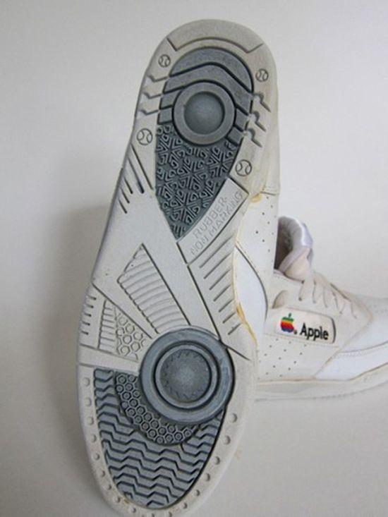 Apple Sneakers (5 pics)
