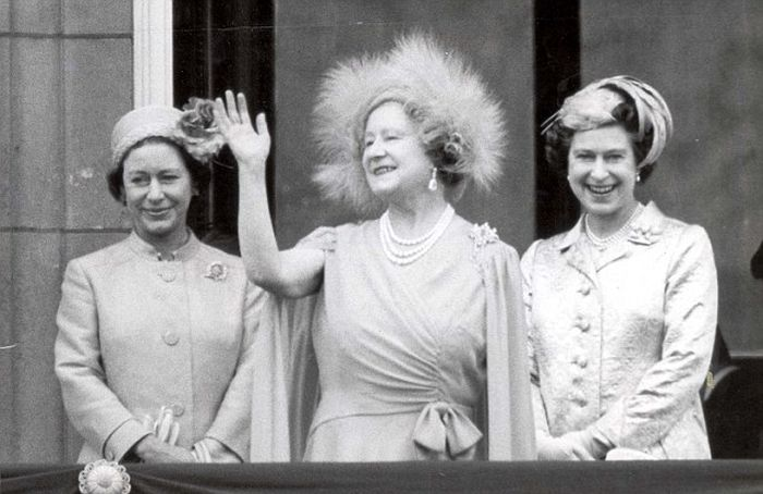 Elizabeth II Aging Timeline (11 pics)