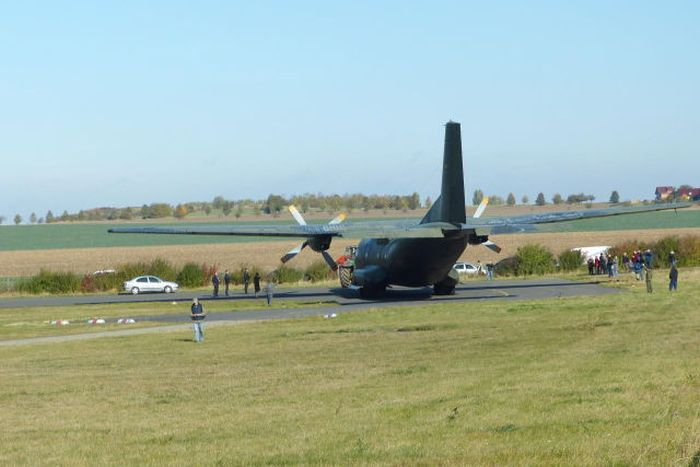 Dangerous Landing in Germany (13 pics + video)