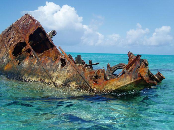 Abandoned Ships (30 pics)