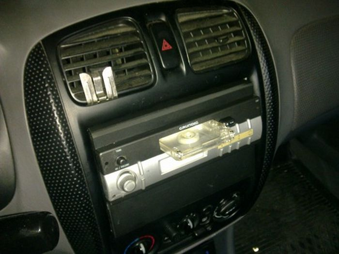 Fake Car Radio to Protect the Real One (10 pics)