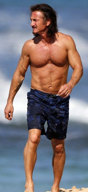 Sean Penn Topless (4 pics)