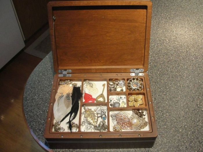 Jewelry Box with a Secret (51 pics)