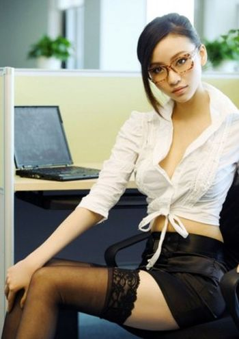 Sexy Office Girls (45 pics)