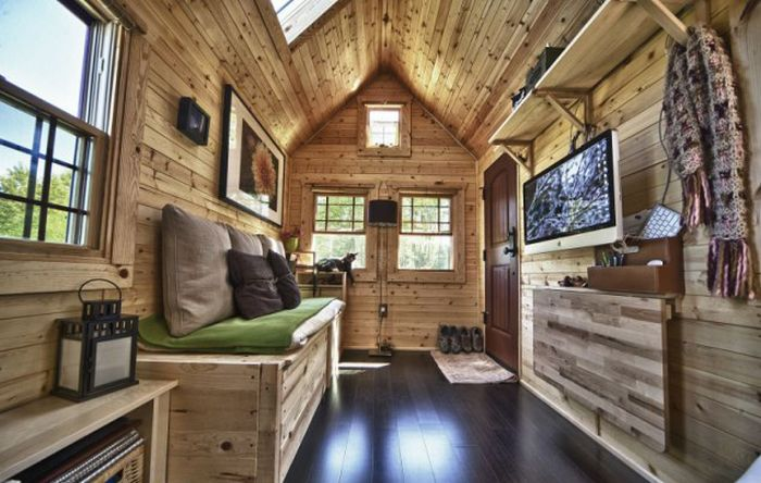 Tiny House on Wheels (12 pics)