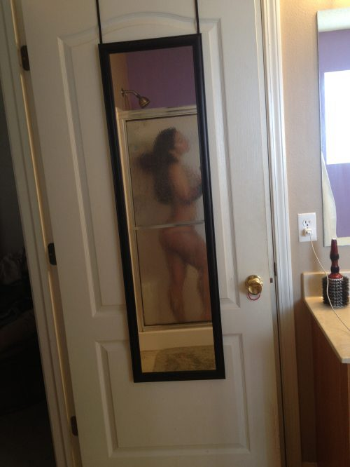 Girls in Mirror Self Shots (36 pics)