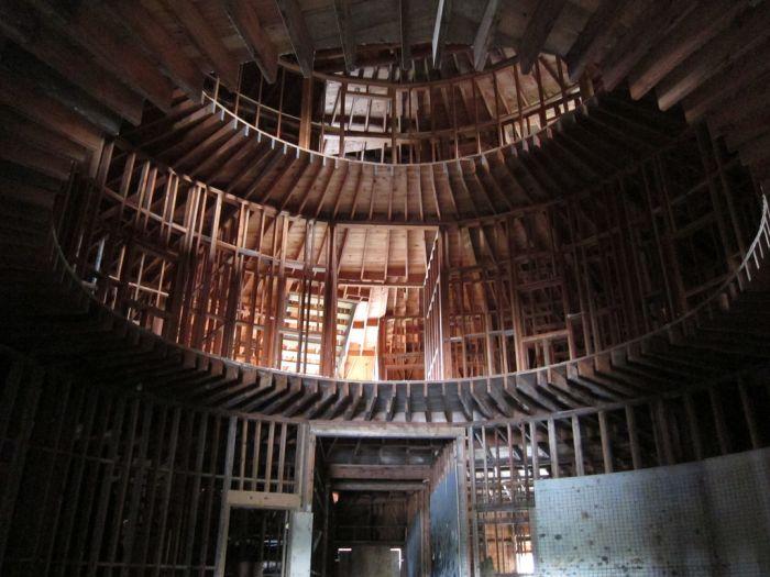 Abandoned Igloo City Hotel (15 pics)