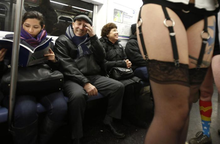 No Pants Subway Ride 2013 (30 pics)