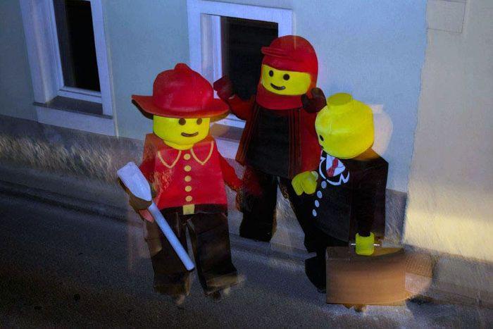 Costumes of Lego Men (20 pics)