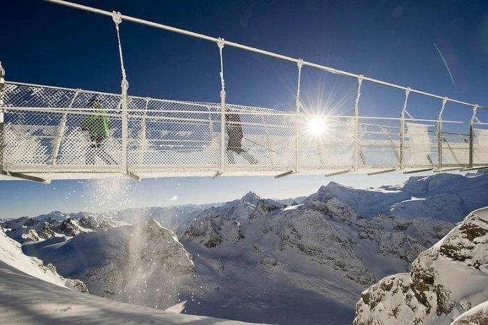 The Highest Suspension Bridge in Europe (8 pics)