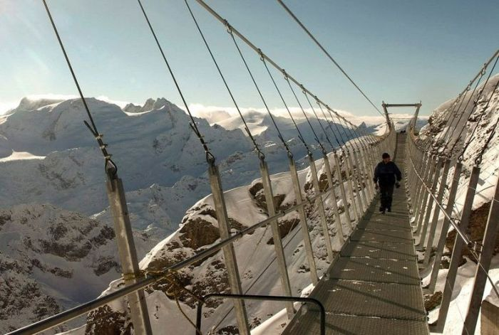 The Highest Suspension Bridge in Europe (8 pics)