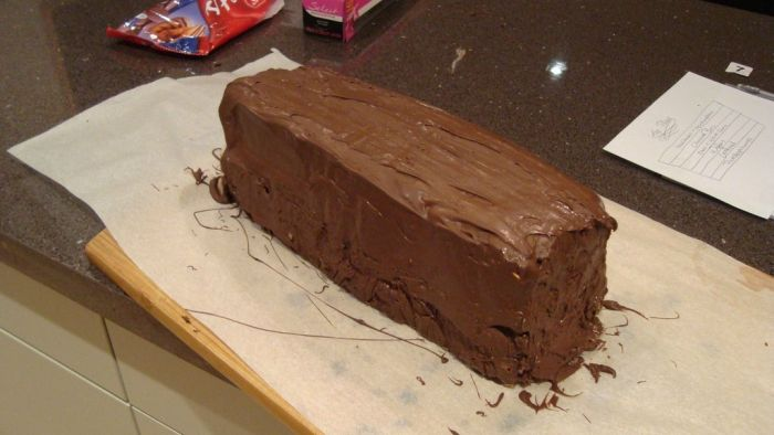 DIY Giant Chocolate Bar (12 pics)