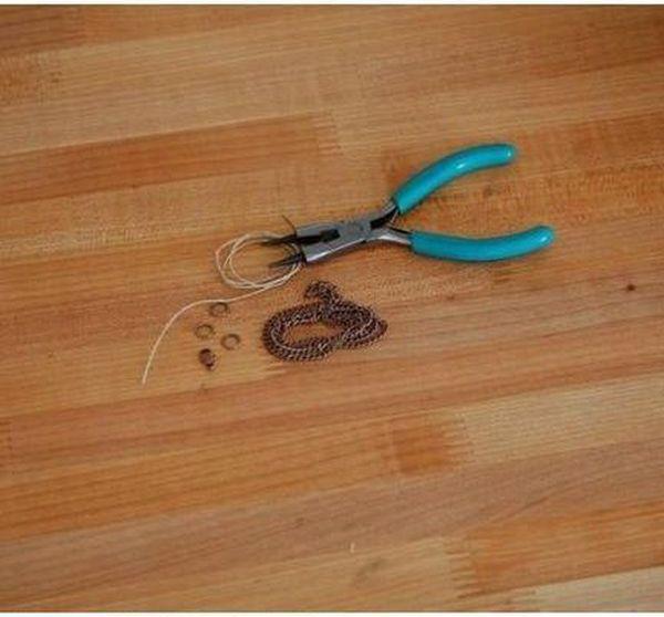 DIY Silhouette Necklace (8 pics)