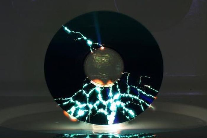 CD in a Microwave (4 pics)