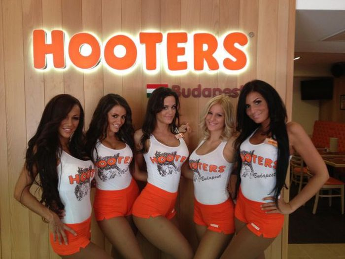 Hooters Girls From Budapest 86 Pics-9993