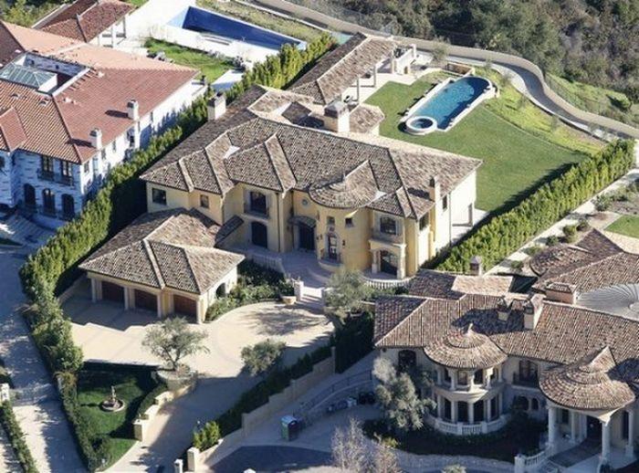 Kim Kardashian's House (22 pics)