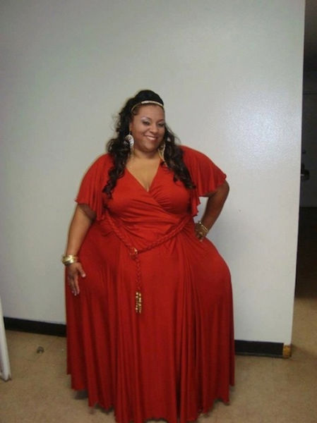 World's Widest Hips (10 pics)