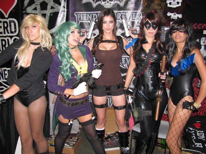 Hot Cosplay Girls (31 pics)