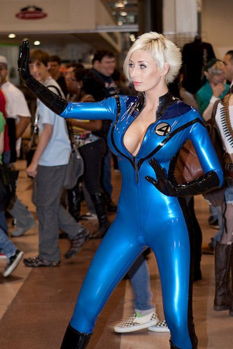 Hot Cosplay Girls (31 pics)