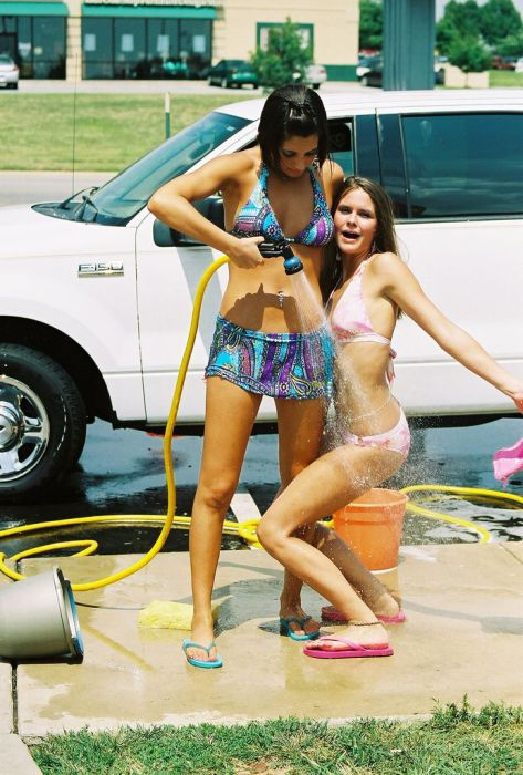 Bikini girls washing minivans — pic 6
