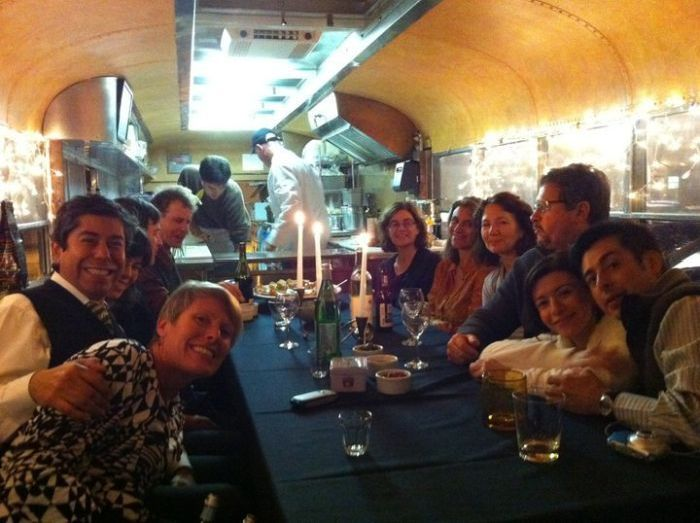 Restaurant Inside an Old School Bus (20 pics)