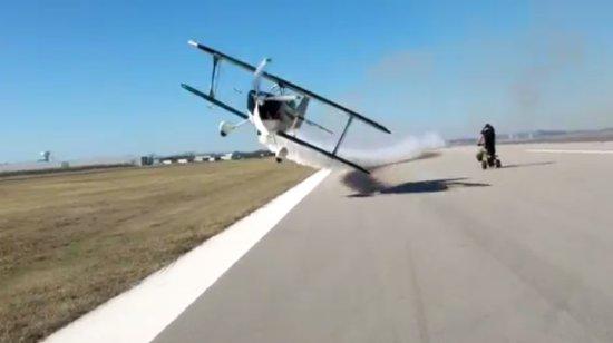 Incredible Plane Flight Performance Skills