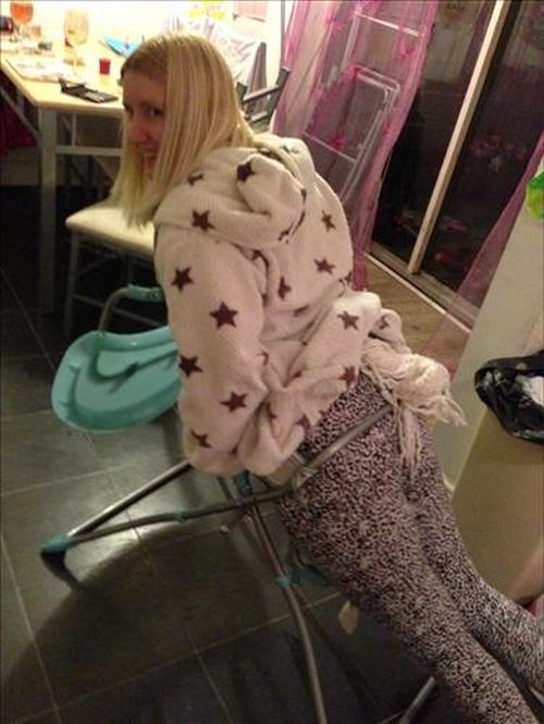 Drunk Mom Got Stuck in a Baby Chair (5 pics)