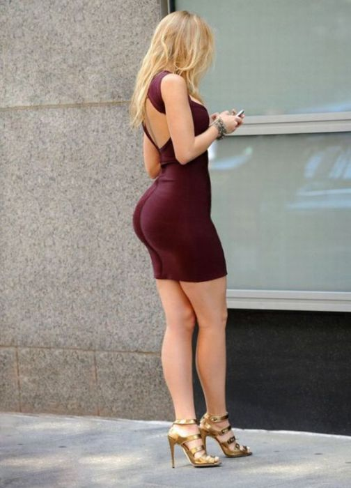 Big Butts In Public Places 42 Pics-5342