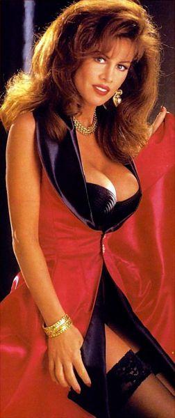 Vintage 80's Cleavage (37 pics)