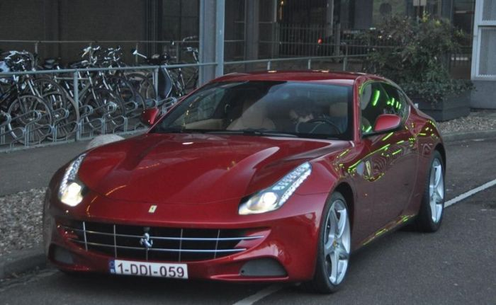 Ferrari FF for Mother-in-Law (8 pics)