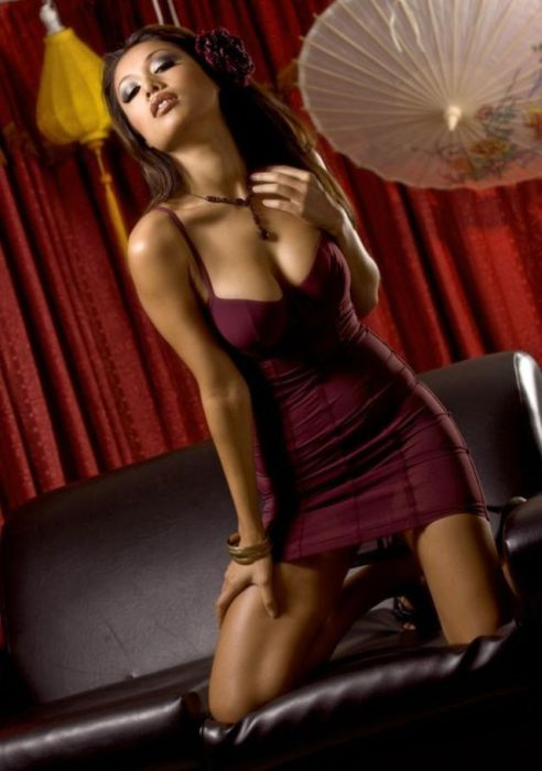 Pretty Girls in Tight Dresses. Part 6 (52 pics)
