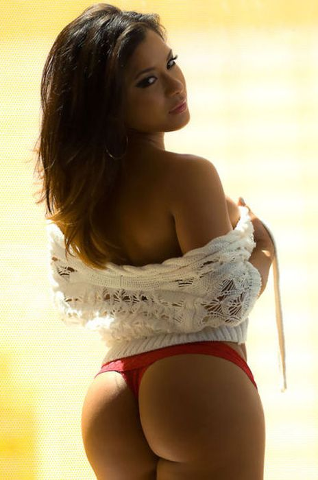 Bootilicious Butts (52 pics)