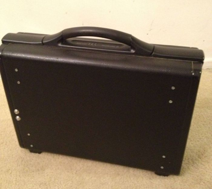 Briefcase PC (8 pics)