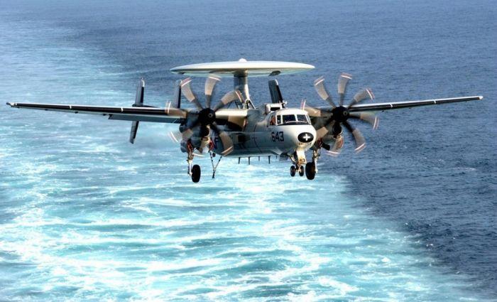 Photos of E-2C Hawkeye (34 pics)