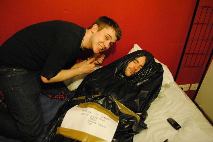 Drunk Friend (6 pics)
