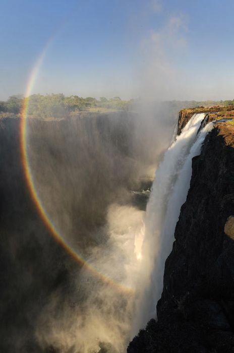 Amazing Double Rainbow Over Victoria Falls (12 pics)