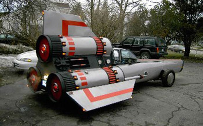 Fictional Vehicles IRL (24 pics)