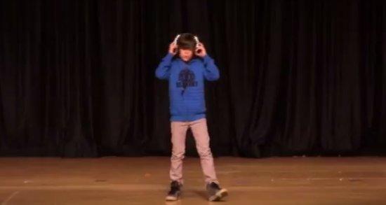 Amazing Boy Dancing DubStep