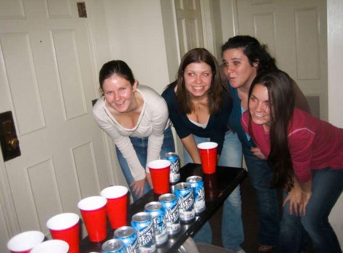 Girls Love Beer Pong (70 pics)