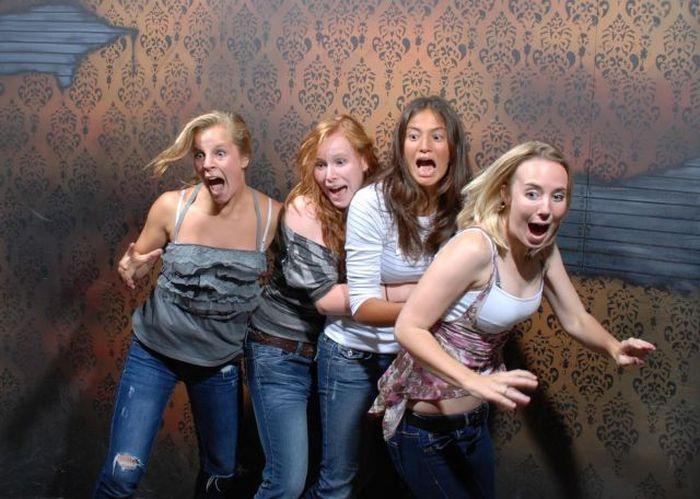 Girls Have Fun (57 pics)