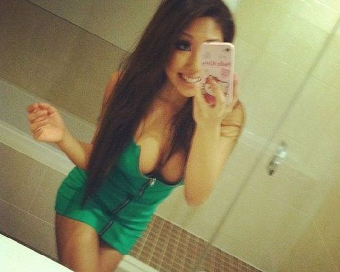 Pretty Girls in Tight Dresses. Part 7 (102 pics)