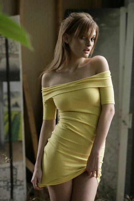Pretty Girls in Tight Dresses. Part 7 (102 pics)