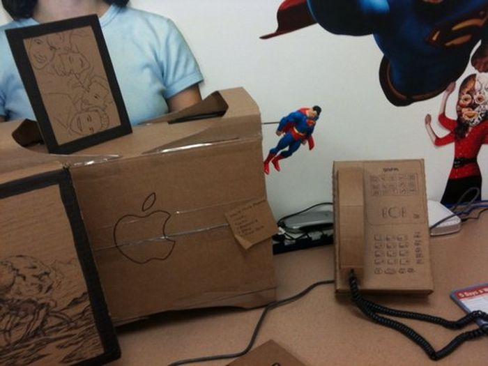 Nice Office Prank (14 pics)