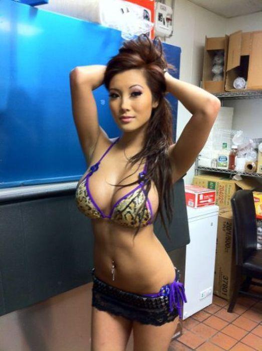 Beautiful Asian Girls (50 pics)