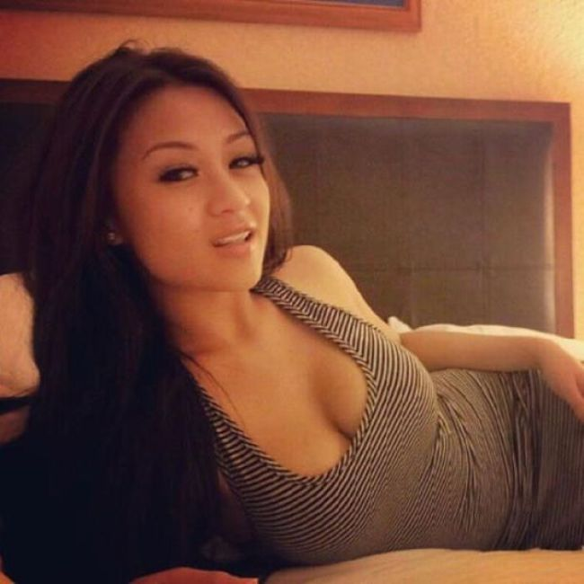 Beautiful Asian Girls (50 pics)